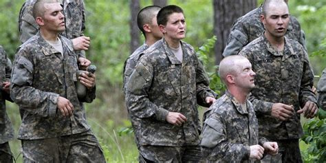 female us army rangers two women pass us army ranger school first female