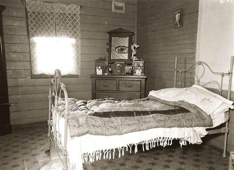 picture bedroom bed furniture bedroom room
