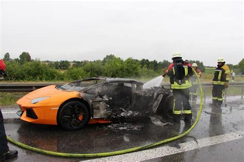 Lamborghini On Autobahn Orange Lamborghini Aventador Destroyed By On Autobahn