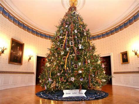 1996 blue room christmas tree photo page hgtv