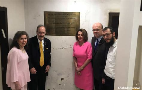 congressional leaders  mumbai chabad house paying tribute   victims