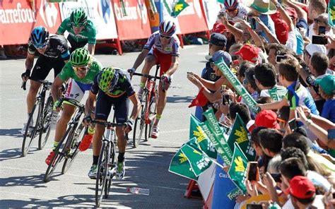 la vuelta a la 8469602527 tour d espagne cycliste la vuelta passera par le b 233 arn et la soule samedi la r 233 publique des
