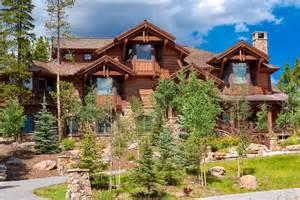 log home mansions 33 stunning log home designs photographs
