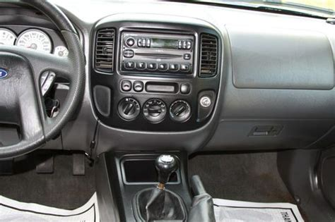 buy used 2005 ford escape xls 5 speed manual moonroof towing package in deerfield illinois