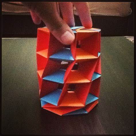 Twisted Origami - origami twisted tower by aisenuragba on deviantart