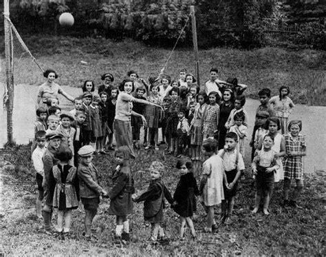 Holocaust And World War 2 Essay by War And Social Upheaval World War Ii Czechoslovakia Holocaust Refugees