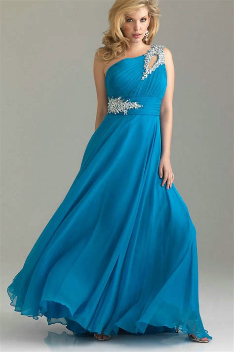 prom gowns dressed  girl