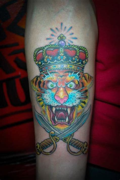 tattoo tiger new school arm new school tiger crown tattoo by czi tattoo studio