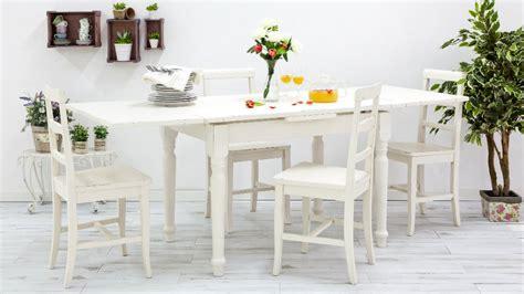 tavolo e sedie bianche dalani sedie in legno bianche sedute chic e raffinate