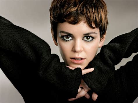 cute superherpes hair styles nora zehetner plays eden who can control others thoughts