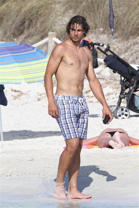 shirtless rafael nadal the hunk in pictures
