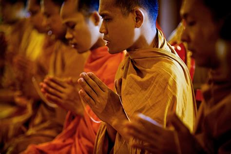 the monk s cell ritual and knowledge in american contemplative christianity books buddhist monks praying harmonia philosophica