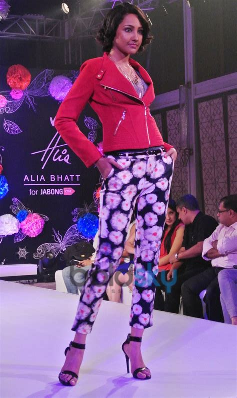 The Unveil Fashion Line Elizabeth And by Alia Bhatt Unveils Clothing Line Alia With Jabong