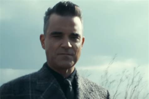 Someone Doesnt Like Robbie Williams by Musicnews Robbie Williams Channels Morrissey In