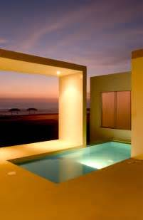 Modern small beach house design in peru by javier artadi arquitecto