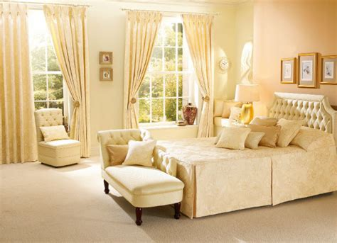 Decorating Ideas For A Feminine Bedroom Feminine Bedroom Decorating Ideas