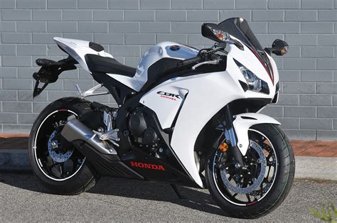 honda cbr1000rr the news and reviews with the best honda cbr1000rr photos