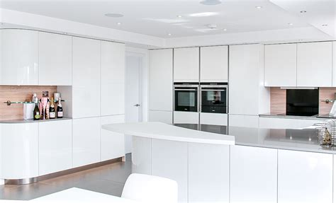 handleless white curved kitchen  quartz hurstpierpoint