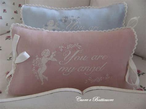 cuscini romantici cuscini romantici ricamati cerca con cuscini