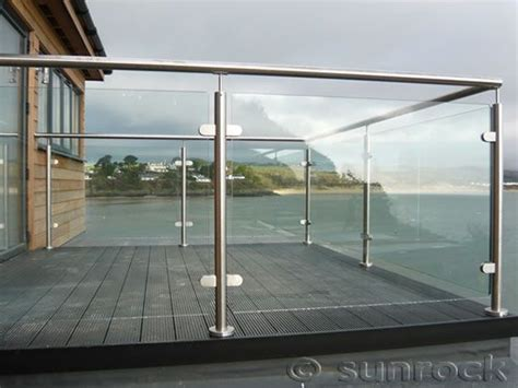 Glass Banisters Uk by 17 Best Ideas About Glass Balcony On Glass