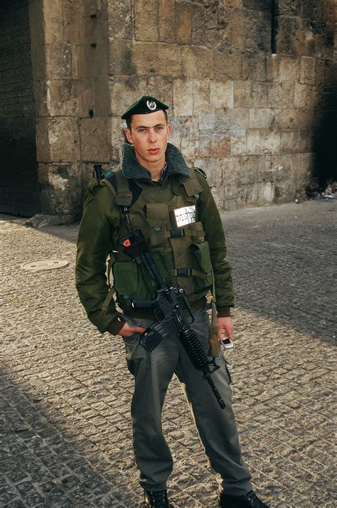 soldiers of file israel 4 021 israelic soldier jpg wikimedia commons