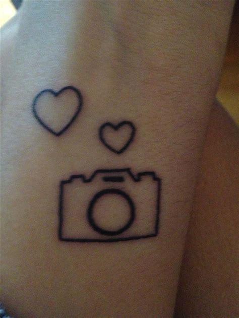 camera tattoo simple camera tattoo tattoos and piercings pinterest