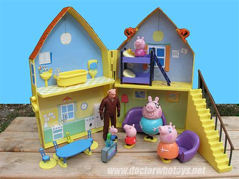 peppa pig play house doctor who action figures peppa pig
