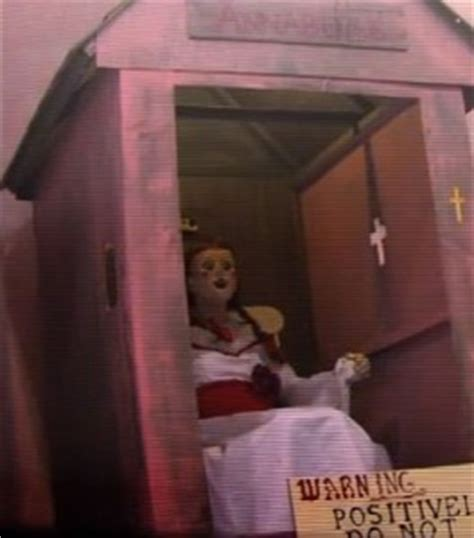 annabelle doll prank annabelle prank a big hit at the toronto fan expo shock