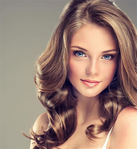 25 modern hairstyles with partial highlights trending now