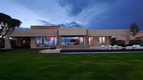 Cristiano Ronaldo House by Architect Joaqu 237 N Torres 5 Houses Built For