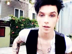 Band one shots open again no you listen andy biersack black