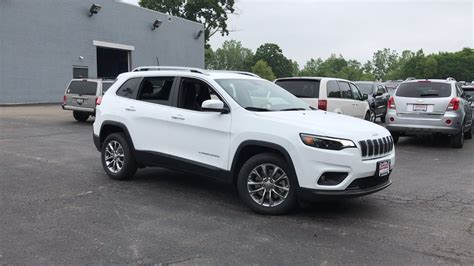 2019 Jeep V8 by New 2019 Jeep Latitude Plus Sport Utility In