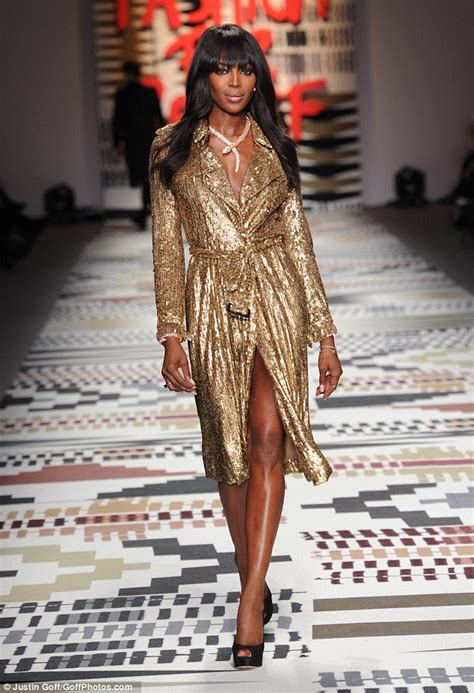 Golden Modeling In Project Runway Show At Fashion Week by Cbell Proves She S Still One Of The Best As She