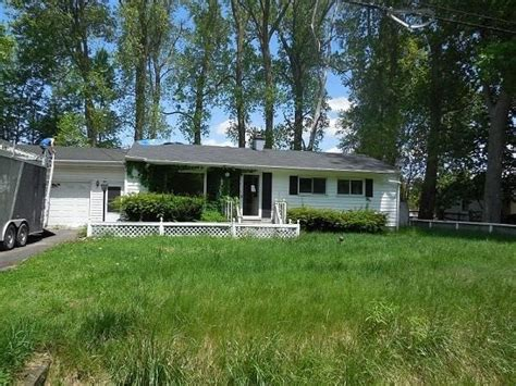 2548 thunderbird temperance mi 48182 detailed property
