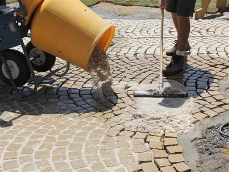 Mortar Mix For Patio by How To Install A Patio Walkway How Tos Diy