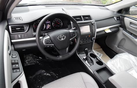 Toyota Camry Interior Review 2015 Toyota Camry Se 2nd Place Choose Cars Wisely