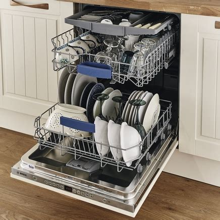Dishwasher With Floor Display - bosch dishwasher fully integrated 60cm howdens joinery