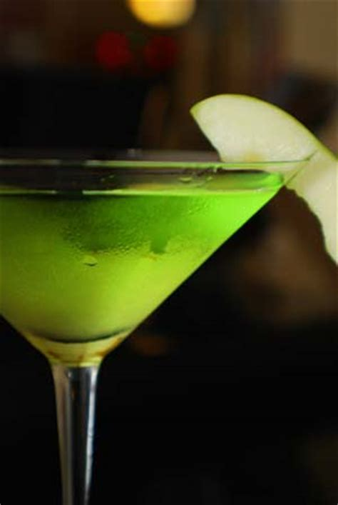 apple martini martinis beat white wine as aperitifs in restaurants