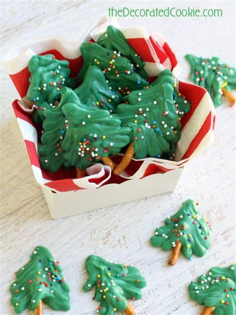 these cute mini chocolate christmas trees are a fun
