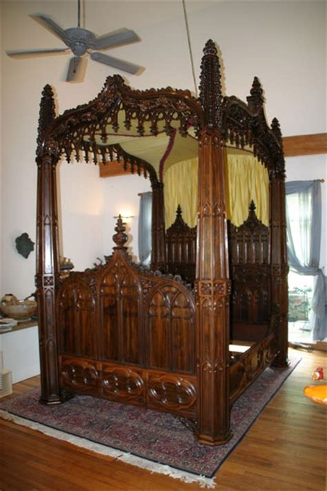 gothic canopy bed image from http 3 bp blogspot com jtibtipehr8