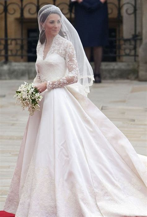 20 Best Celebrity Wedding Dresses   EverAfterGuide