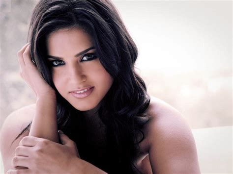 sensational videos sensational sunny leone images feel free love images