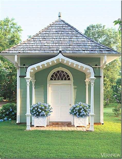 garden shed or guest house so pretty home