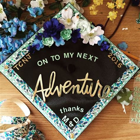 How To Decorate Your Graduation Cap by 25 Best Ideas About Graduation Caps On