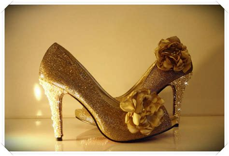 gold wedding shoes shoot my fave extravagant cheekly gold wedding shoes 2014