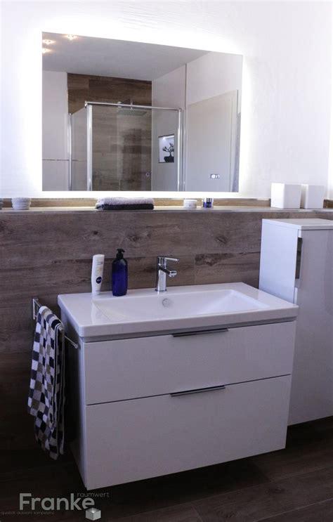 Badezimmer Fliesen Hinter Waschbecken by Die Besten 25 Badezimmer Ablage Ideen Auf