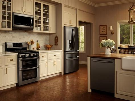 black kitchen cabinets with stainless steel appliances 1000 ideas about kitchen black appliances on