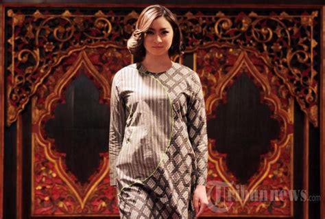 Koleksi Batik Danar Hadi Jakarta koleksi terbaru batik danar hadi foto 4 1477031 tribunnews