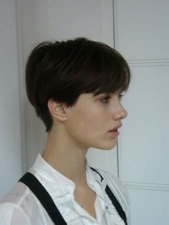 demi moore ghost hairstyle yes this reminds me of demi moore in ghost short hair