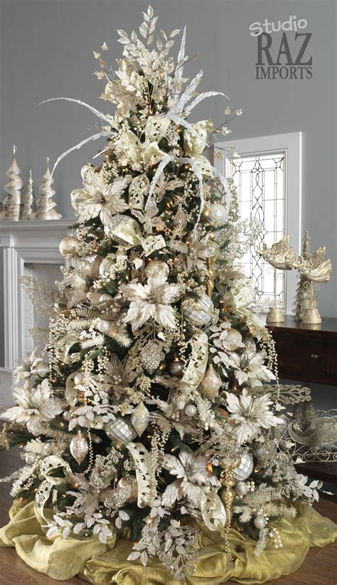 christmas tree decorating ideas 25 best ideas about christmas trees on pinterest